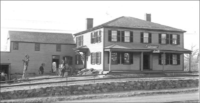 Clark's Tavern/Blue Hill Hotel